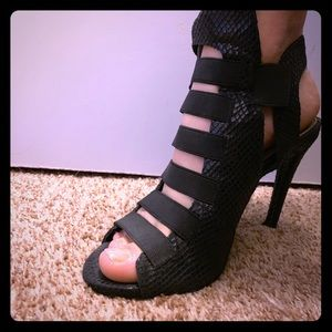 Guess heels, size 8